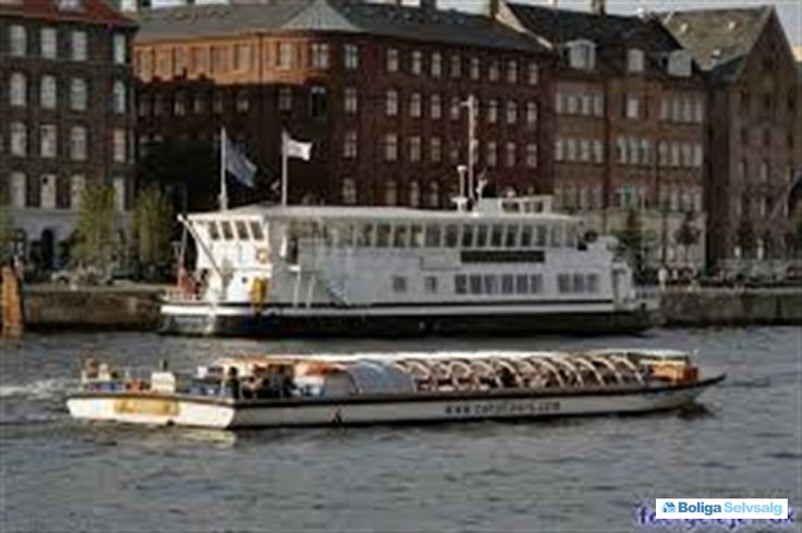 Havnegade 31, st., 1058 København K - Danmarks flotteste husbåd sælges. #husbåd #selvsalg #boligsalg #boligdk