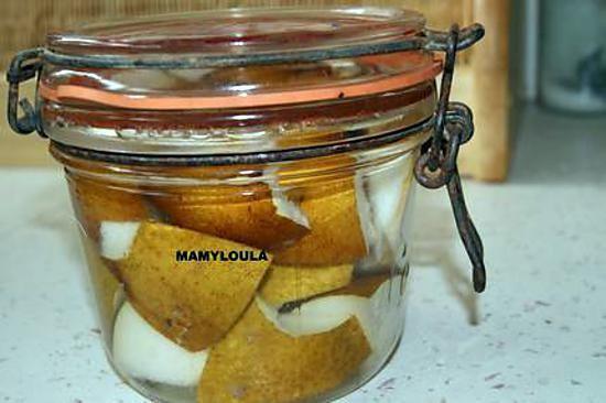 La meilleure recette de Liqueur de poires! L'essayer, c'est l'adopter! 5.0/5 (7 votes), 17 Commentaires. Ingrédients: Des poires non épluchées et non épépinées. de l'eau de vie un bocal hermétique après du sucre en poudre (quantité selon liquide récolté) une bouteille Ensuite de la patience pour pouvoir la déguster ou l'utiliser.