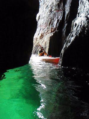 SEA KAYAKING IRELAND DINGLE KERRY - awesome experience!