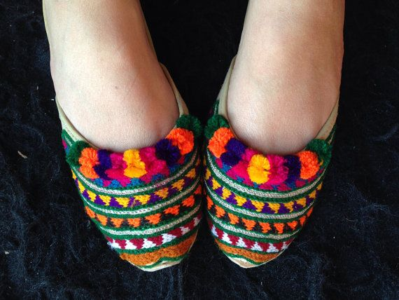 Modern embroidered shoes Asian shoes flats indian shoes balllet flat handmade shoes fancy shoes women by Sami
