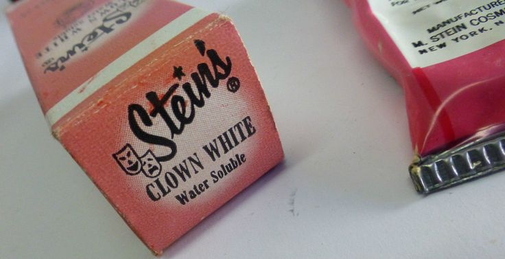 Steins White And Black Face Paint