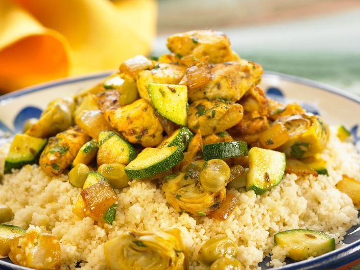 Découvrez la recette Couscous au poulet sur cuisineactuelle.fr.