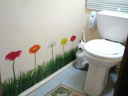 Украшение туалета виниловыми наклейками