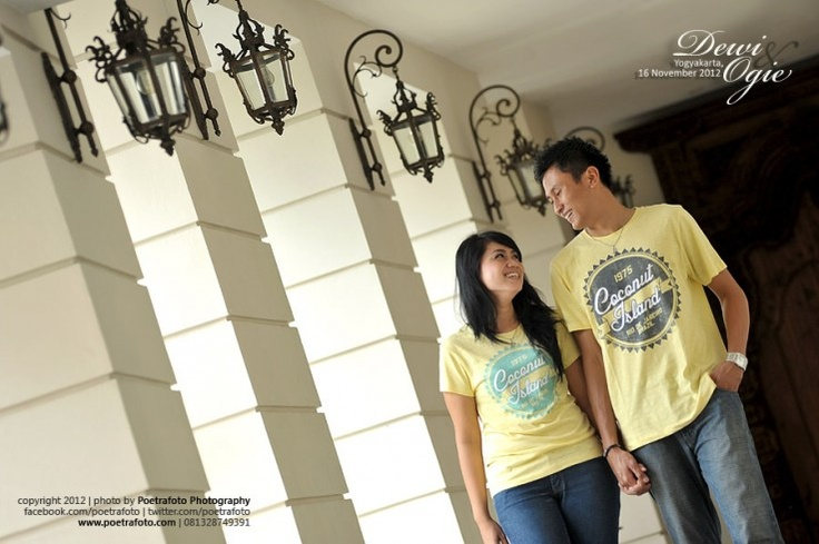 Foto Pre Wedding Dewie+Ogie di Hotel Phoenix Jogja, Engagement photo by Poetrafoto Photography Fotografer Yogyakarta Indonesia, http://prewedding.poetrafoto.com/foto-pre-wedding-dewie-ogie-di-jogja_388