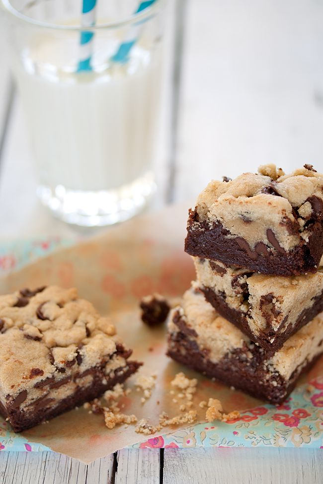 Chocolate Chip Cookie Brownies  http://mittskafferi.com/2013/april/chocolate-chip-cookie-brownies-2.html