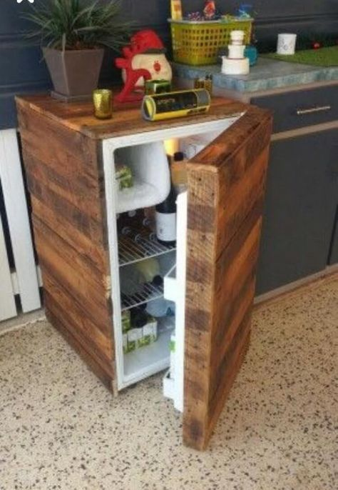 ingenious ways to give wood pallets second chance diy on inventive ideas to utilize reclaimed wood pallet projects all you must to know id=94813