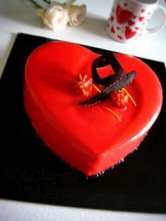Stampo Pavoni         Non sono una fan di San Valentino ma sono una fan dell'amore e di ogni dimostrazione di affetto che segua le r...
