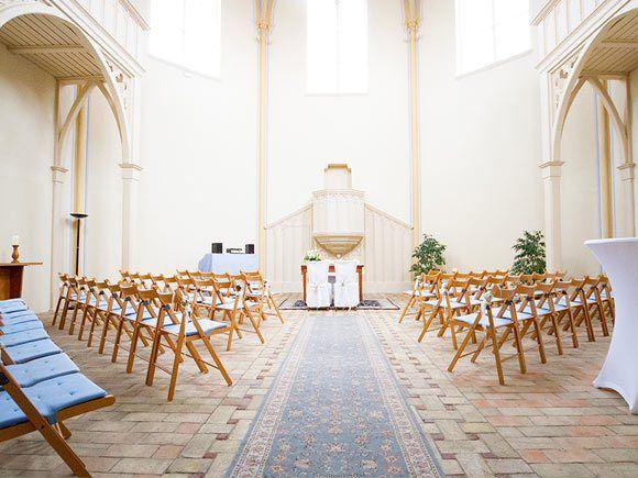 Heiraten in der Alten Neuendorfer Kirche