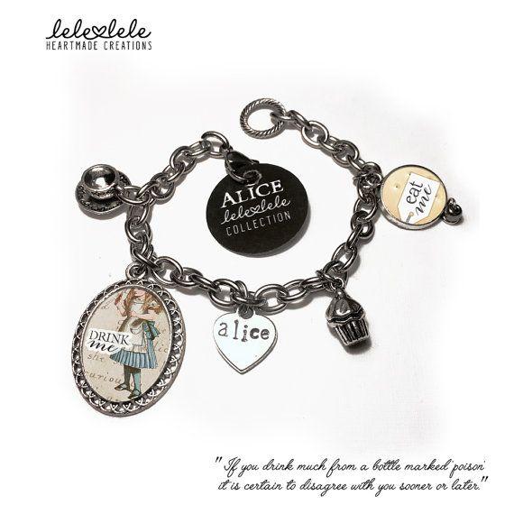 Steel bracelet with charms #Eat me - Alice in Wonderland - Bracciale in acciaio con ciondoli Alice in di LeleleleCreations