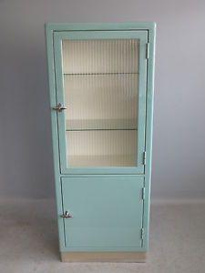 Arztschrank-art-deco-BAUHAUS-mauser-baisch-Sideboard-50er-60er-Jahre