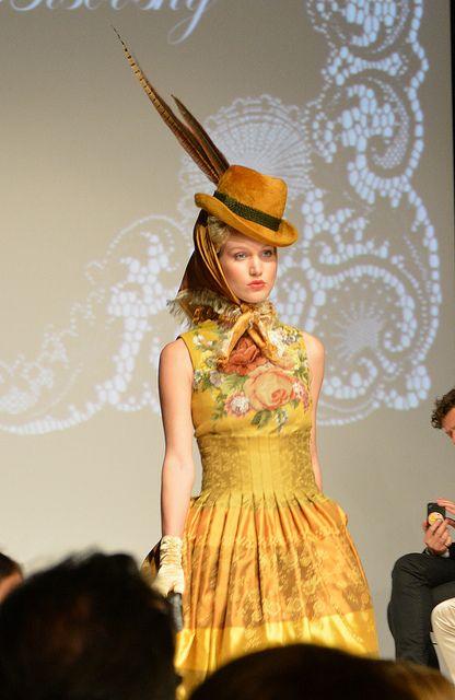 """Susanne Bisovsky - """"3maederlhouse""""   MQ Vienna Fashion Week 2013"""