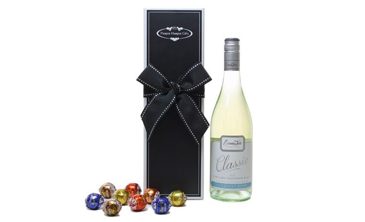 Brilliant pale straw with a fresh green hue. Lifted tropical fruit aromas of passion fruit and lychees with a touch of grassiness from the Sauvignon Blanc component. The Semillon contributes pungent characters of gooseberry and nectarine. Packaged in Pamper Hamper Style with chocolates.