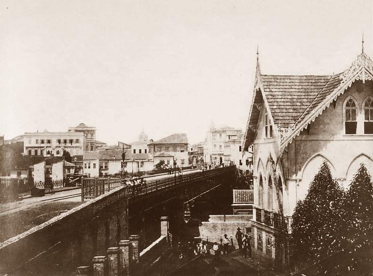 1887 - Antigo Viaduto do Chá. Foto tirada onde seria atualmente a rua Xavier de Toledo.