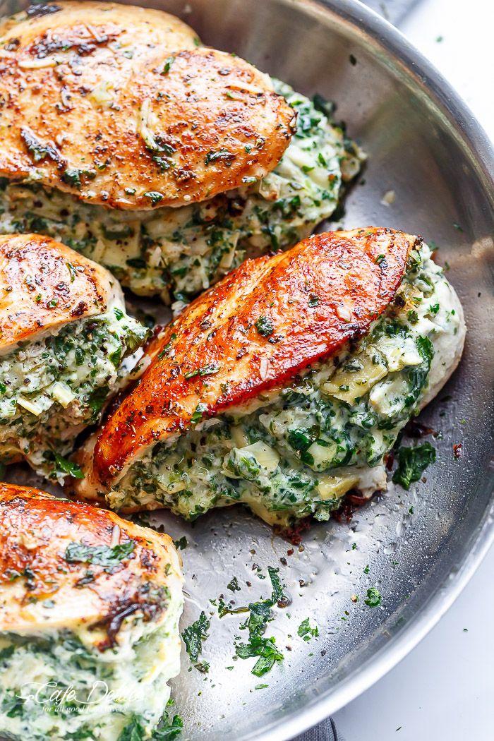Spinat Artischocken Gefülltes Hähnchen ist eine köstliche Art, ein cremiges …