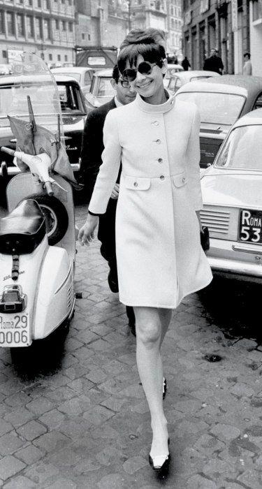 Audrey Hepburn 1968 by ELIO SORCI coat: Rose Bertin. shoes: René Mancini for Chanel. handbag: Gucci.