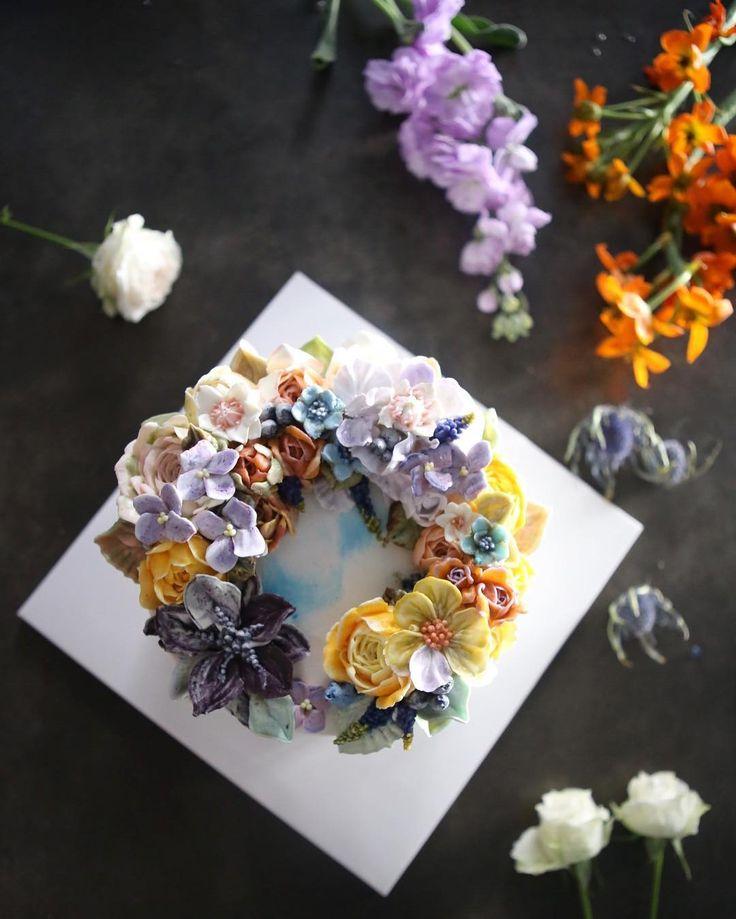 ㅡ  야무진계획속에 아름다운 봄컬러들  아이싱색. 하늘하늘 예쁘다.   무시무시한 매력케익 ⚡️  ㅡ    B course   ㅡ  #flower #cake #flowercake #partycake #birthday #bouquet #buttercream #baking #piony #wilton #weddingcake #케이크 #꽃스타그램 #작약 #플라워케익클래스 #웨딩케이크 #베이킹클래스 #부케 #생일케익 #플라워케이크 #케익스타그램 #수케이크 #수국 #데이지    www.soocake.com  vkscl_energy@naver.com