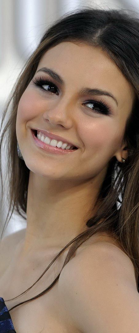 "Victoria Dawn Justice - Friday, February 19, 1993 - 5' 5½"" - Hollywood, Florida, USA."