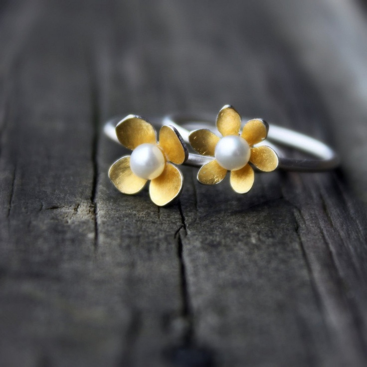 Mini Dogwood Blossom Ring --- 24 karat gold keum boo --- made to your size. $58.00, via Etsy.