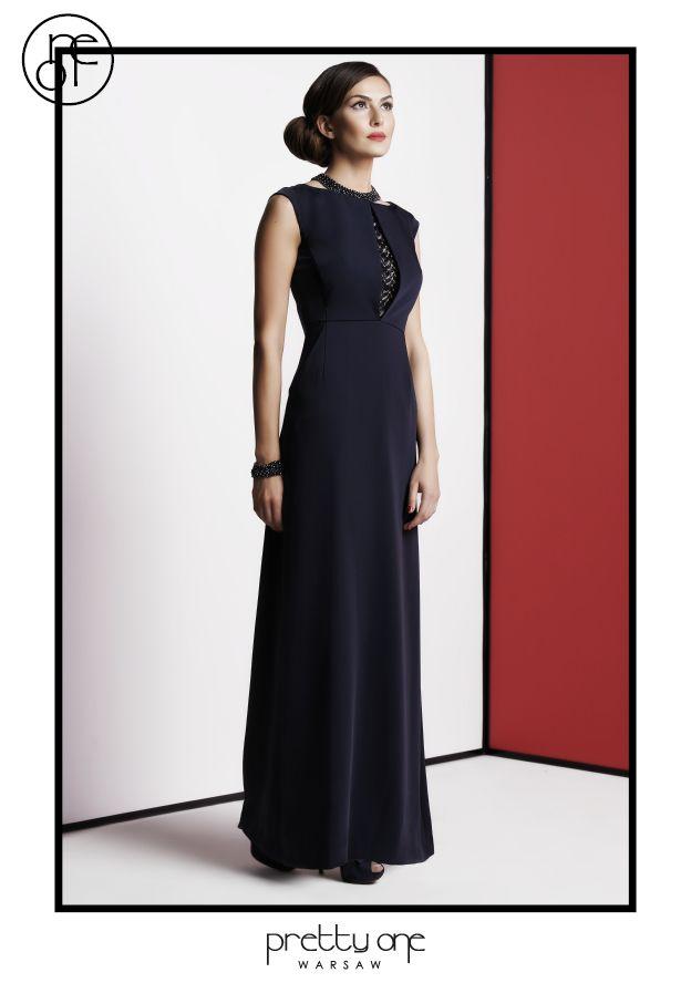 #lookbook #prettyonewarsaw Spring Summer 2015 Elegancka długa czarna suknia. Długi dekolt w literę V.