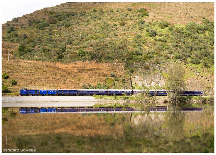 https://flic.kr/p/KL5GZd | Covelinhas 17-04-16 | Locomotiva Diesel Nº1424, comboio nº 21862, Pinhão -> Porto-S.Bento