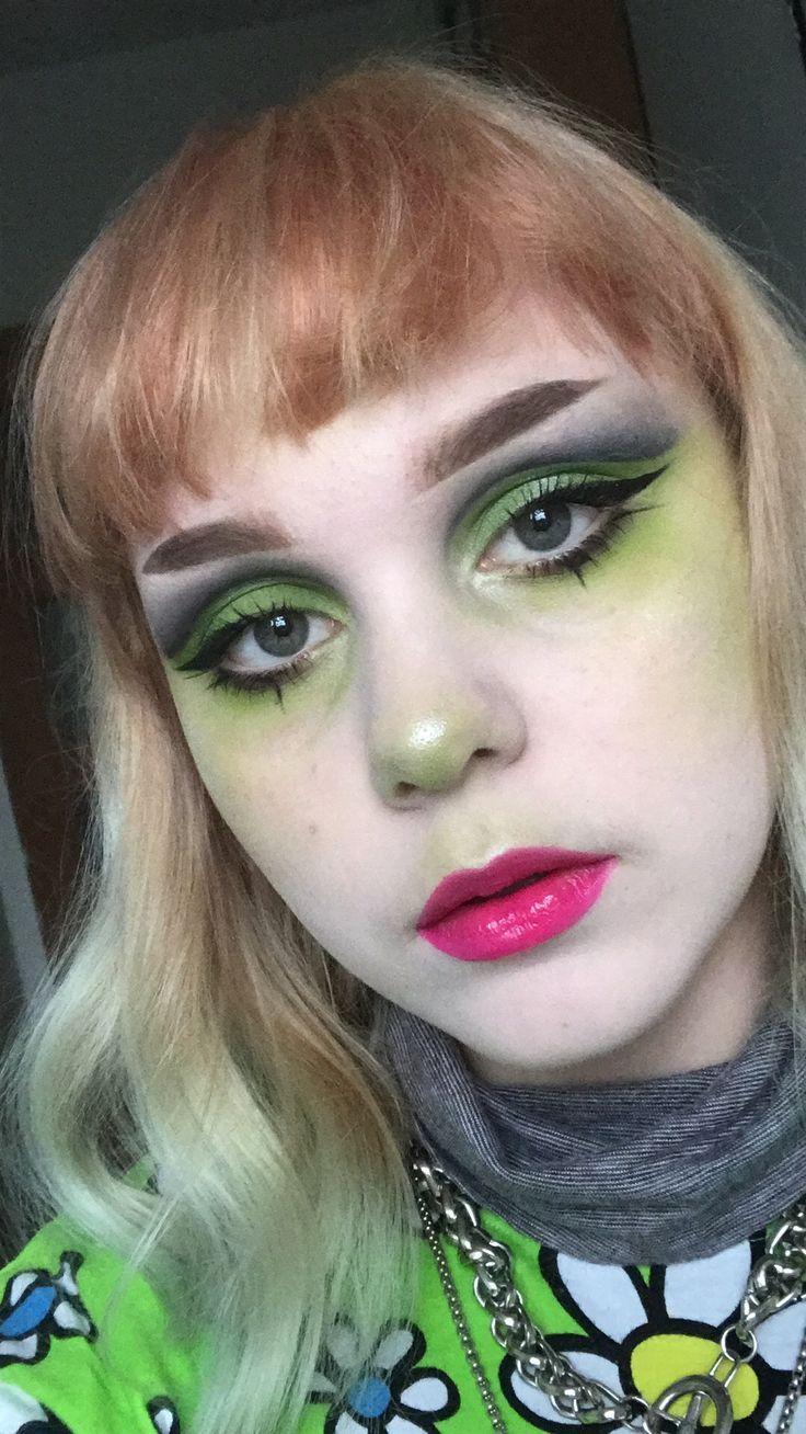 Egirl Eyeliner Ideas In 2020 Eyeliner Eye Makeup Punk Girl Hair
