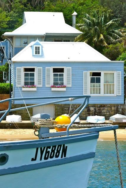 Weatherboard beach house, love it! #EasyPin