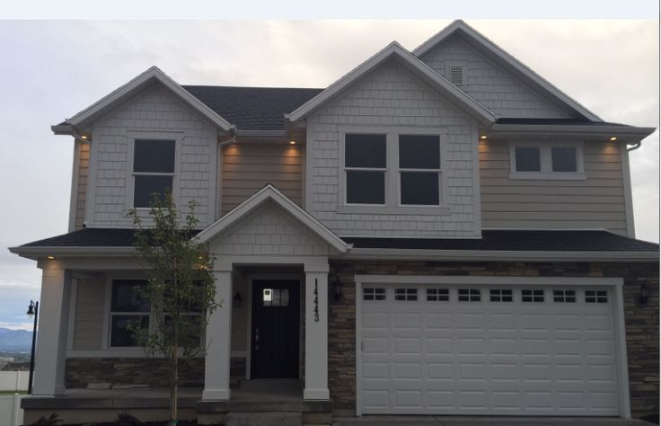 Good Looking Home Done In James Hardie Cobblestone Lap