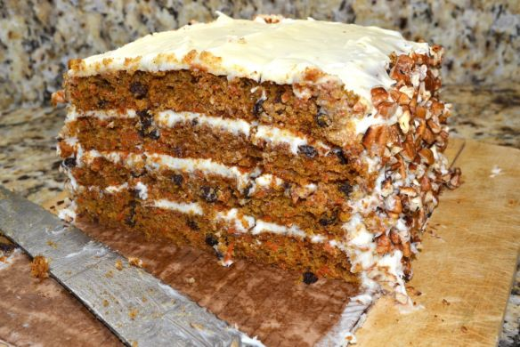 Carrot Cake (substitute the sugar for honey or coconutblossomsugar)