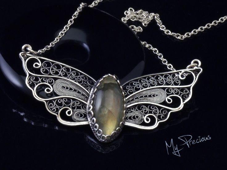 My Precious - Fine silver filigree pendant with Labradorite