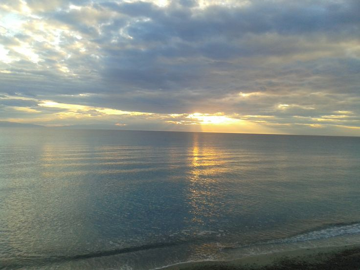 Cloudy sunset in Fourka #Halkidiki #Greece http://hotel-akropolis.gr/