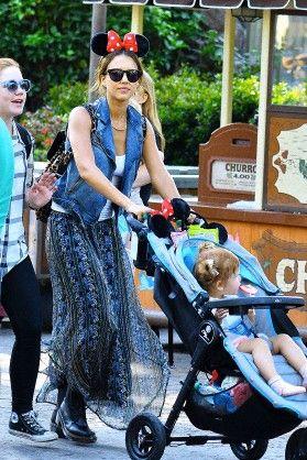 Jessica Alba Honor's birthday at Disneyland June 9 2014
