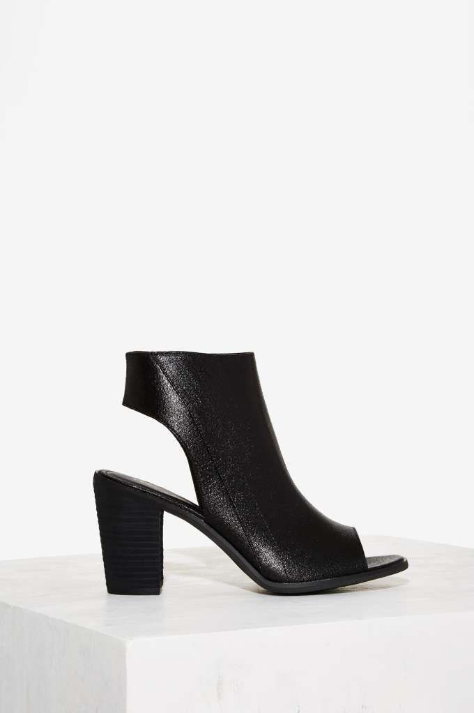 Very Volatile Tulip Leather Heel | Shop Shoes at Nasty Gal!