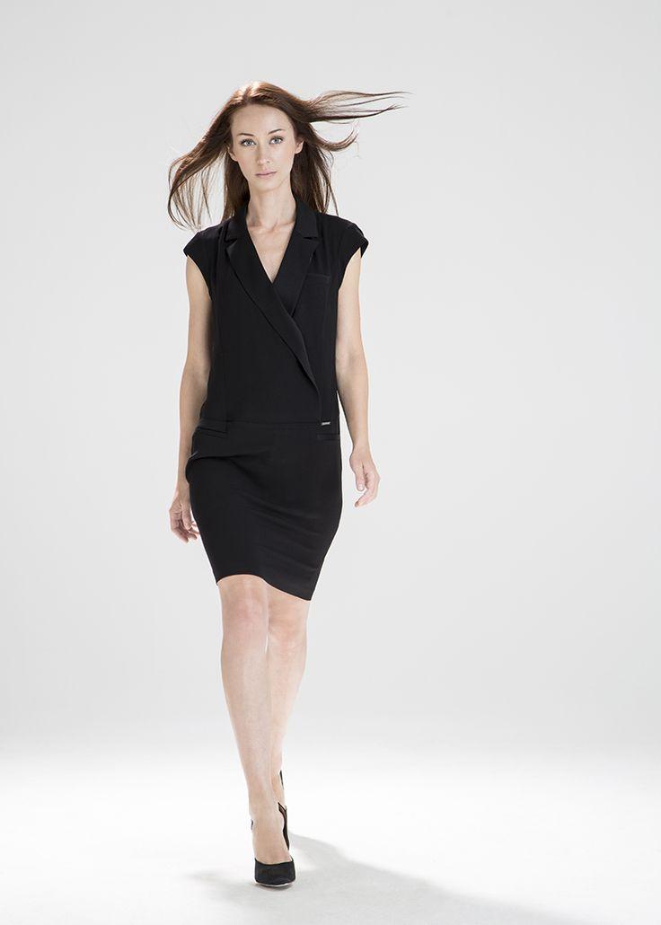 Czarna smokingowa sukienka MAKALU