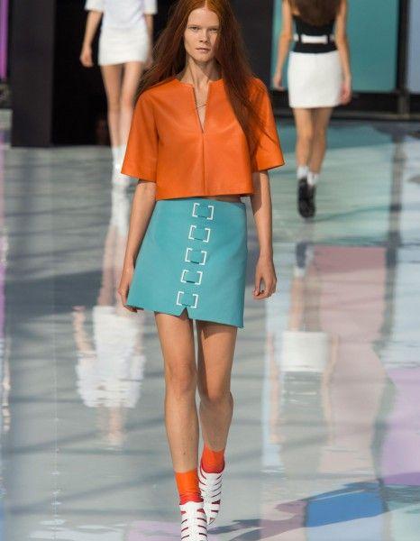 Parfois, la silhouette d'ouverture d'un défilé donne le la. Chez Maxime Simoëns, elle a valeur d'incipit de son histoire de l'été 2015.  http://www.elle.fr/Mode/Les-defiles-de-mode/Pret-a-Porter-Printemps-Ete-2015/Femme/Paris/Maxime-Simoens/Fashion-Week-l-hymne-a-la-couleur-de-Maxime-Simoens-2825414