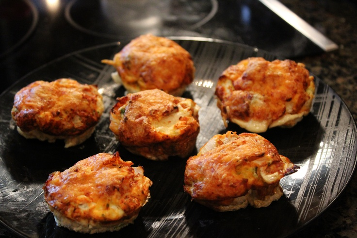 Low-carb egg white & veggie breakfast muffins.  Recipe video:  http://youtu.be/oZHTZFWnS38Breakfast Healthy, Get Ripped, Eggs White, Eggs Muffins, Breakfast Muffins Quiches, Veggies Muffins, Low Carb Eggs, Healthy Breakfast Recipes, Egg Whites