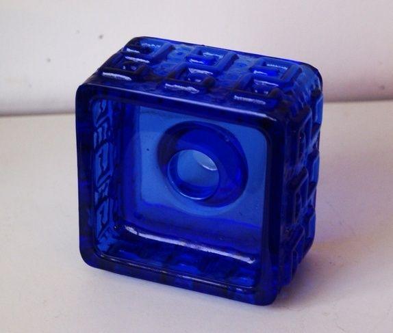 Stilig blå lysestake fra Finland