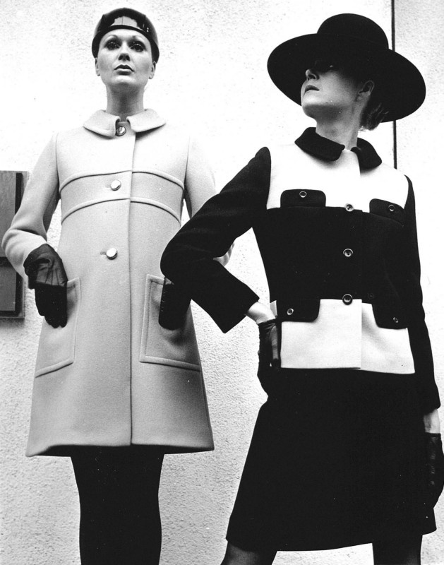 Vintage black & white photograph of 2 Fashion Models showing the collection of Dutch Designer Frans Molenaar.