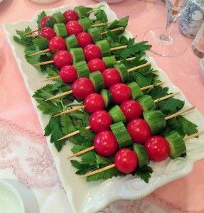 Şişte domates salatalık