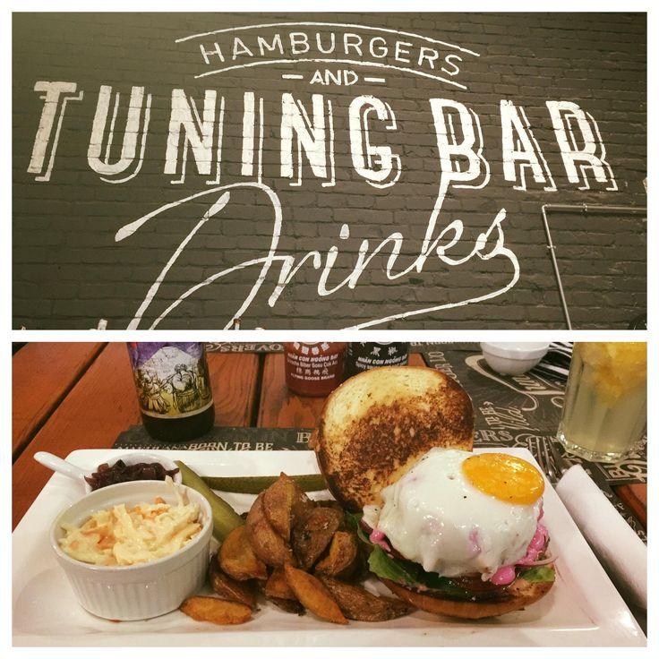 "Tuning Bar&Burger | ""Juicy Burger"" - 2990 HUF | Burger: 9/10 | Hely: 8/10 | Kiszolgálás: 9/10"