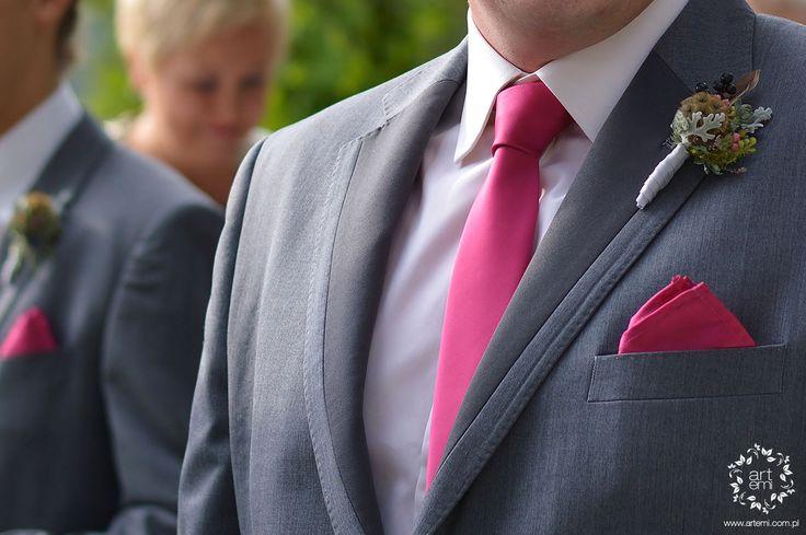 ARTEMI - bukiet ślubny, dekoracje ślubne, dekoracje sal weselnych, dekoracje kościoła, pracownia florystyczna - butonierka, buttonhole, przypinka dla pana młodego