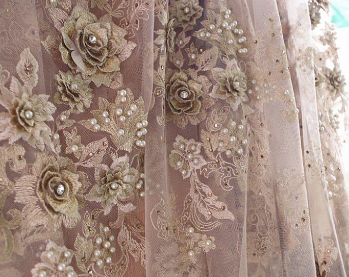 Tela del cordón 3D con flores, tela del cordón de oro metálico para el vestido de alta costura, encaje de malla con flores 3D, tela del cordón nupcial