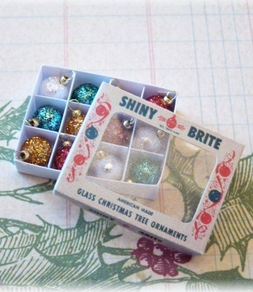 how to: Christmas ornament box (with printable)