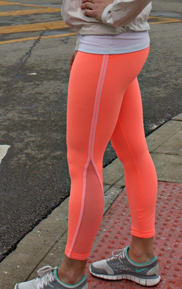 neon running leggings. Wannnttt