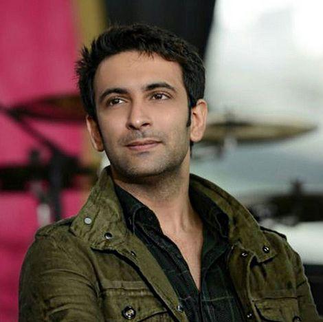 Smeaker.com – Para penggemar Nandish Sandhu tentu tahu persis bahwa sang aktor tampan satu ini hobi memasak.