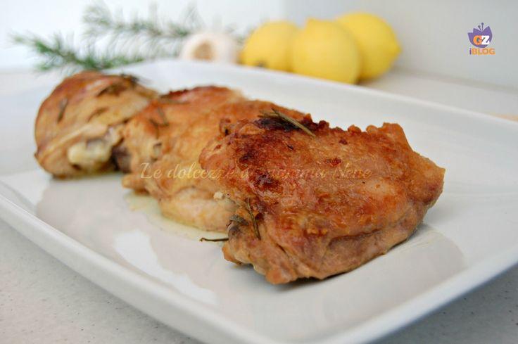 SOVRACOSCE DI POLLO AL LIMONE E ROSMARINO un secondo piatto leggero, senza grassi aggiunti. Contiene solo i grassi della carne. Molto profumato e saporito..