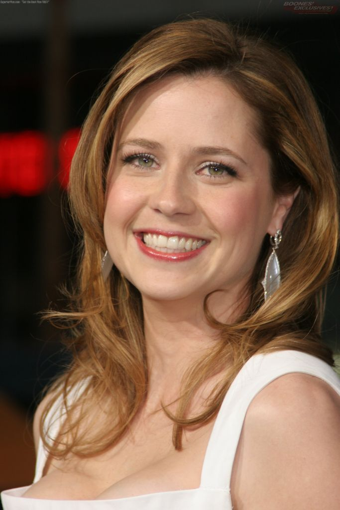 "Jenna Fischer...""The Office""..Fischer attended grade school in Manchester, Mo, Nerinx Hall High School in Webster Groves, Missouri, and Truman State in Kirksville,  Mo."