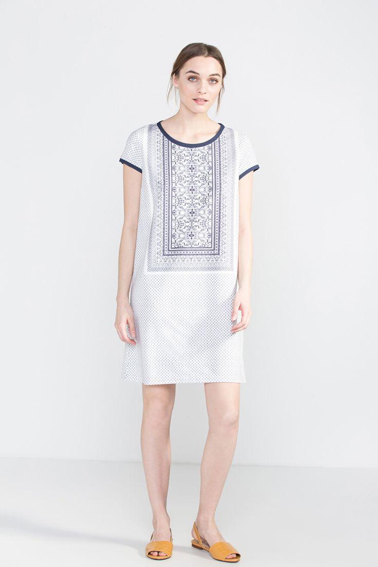 http://cortefiel.com/en/shop/woman/dresses-and-jumpsuits/vestido-recto-estampado-5207398