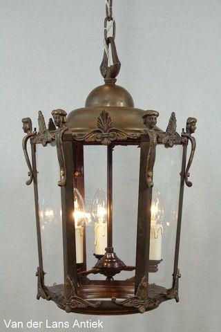 Klassieke lantaarn 25464 bij Van der Lans Antiek. Bekijk al onze antieke lampen op www.lansantiek.com