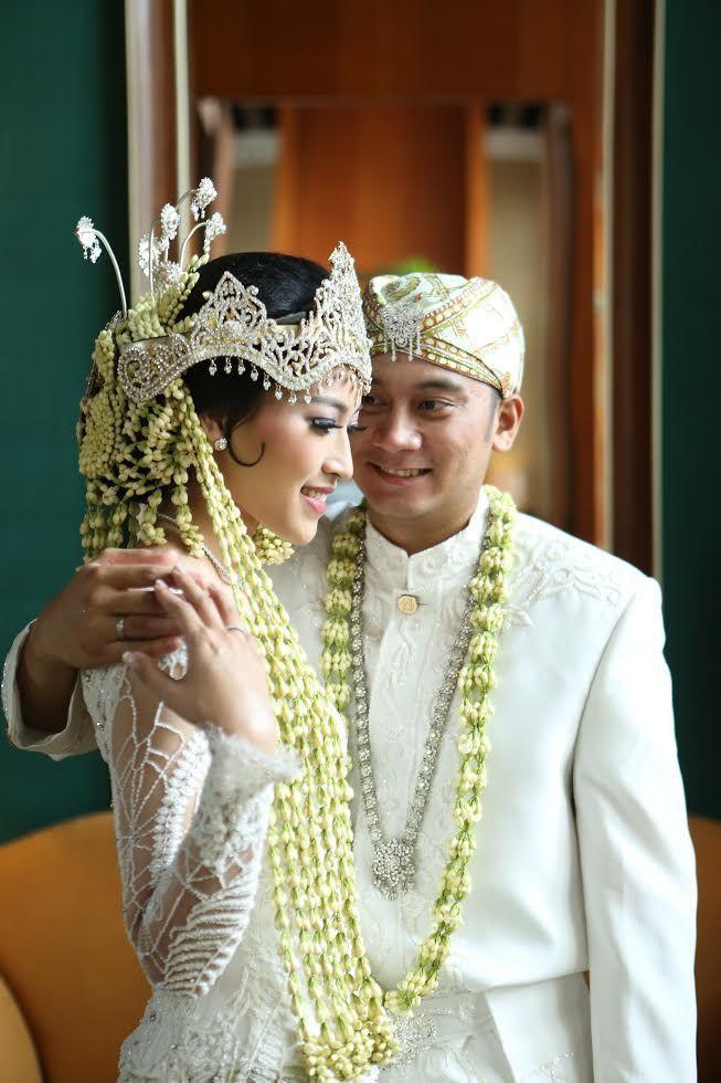 sundanese traditonal wedding, Pernikahan Adat Bangka ala Audira dan Rollando - unnamed (21)