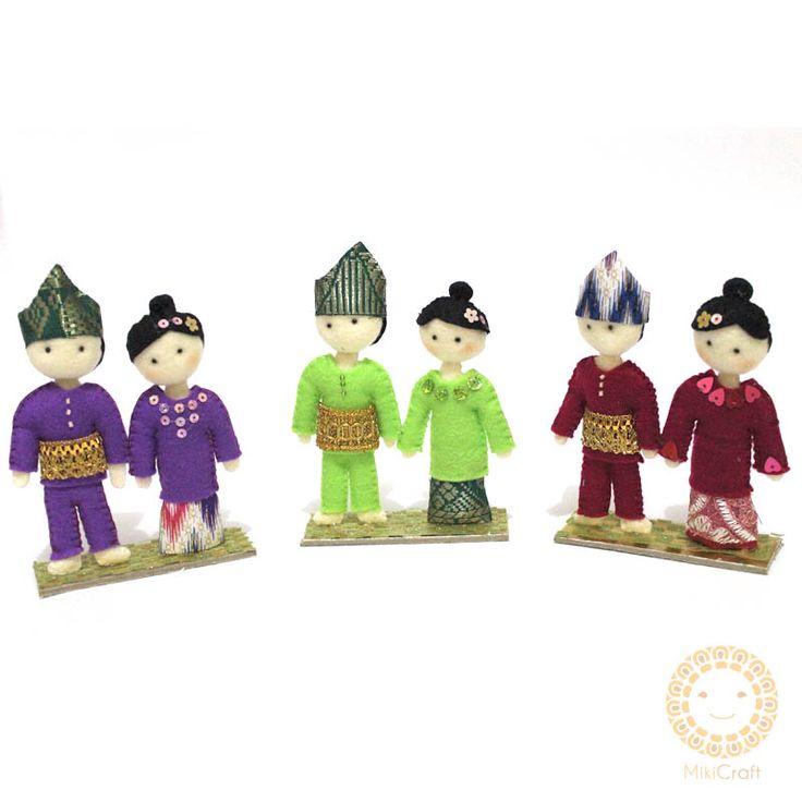 Riau melayu traditional dolls